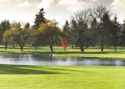 Trees surrounding fountain at Chehalis WA golf course
